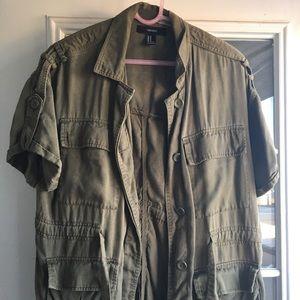 Short sleeved utility jacket